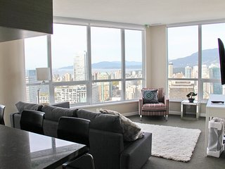 Downtown Delight Spectacular View, Vancouver