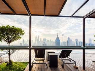 Apt In The Sky With Gorgeous View