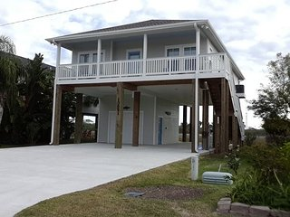 West Galveston-3 BR,, 2 BA- Raised Cottage built in 2016