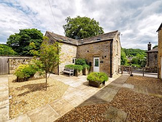PK833 Cottage in Eyam, Bamford