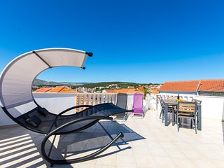 Luxury house for 7 person near Copacabana in center og Okrug Gornji