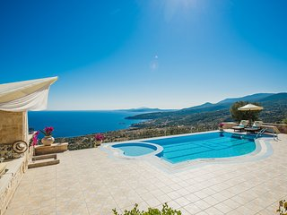 Emerald Deluxe Villa, Askos