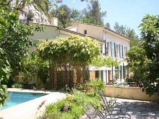 La Bastide Blanche 4 Sterne (DTV) Ferienhaus in der Provence. 11 ha Alleinlage