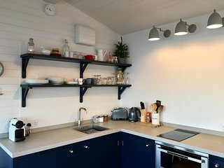 Fully Equipped kitchen and Nespresso machine with Aeroccino