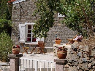 Maison dans petit village de montagne