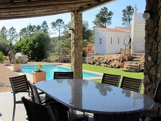 Casa Vale Vinagre + Pool and separate studio for rent in beautifull natural erea