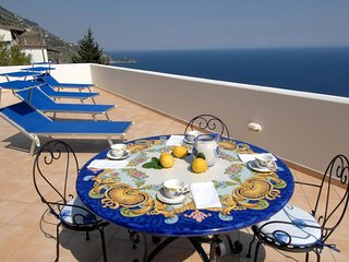 Casa Alias - large terrace with stunning seaview, Praiano