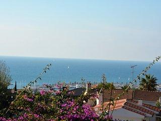 Villa La Gavina Sitges. 3 minutes centre. Vue sur Mer. Zones exterieures extra.