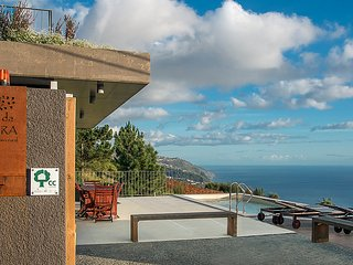 FIG TREE HOUSE  Magnificent views over the coast., Prazeres