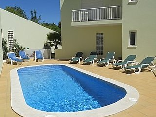Algarve - Carvoeiro city center - Recent duplex apartment for 6.