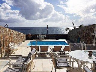 Villa Medusa con vistas al mar, piscina con agua salada, sat-tv, wifi, Puerto Calero