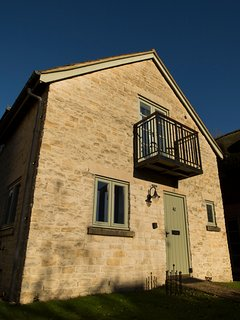 41 Mill Village - Pet friendly contemporary Cotswold stone cottage