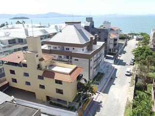 Apartamentos a 50 mts da praia da Cachoeira do Bom Jesus, wifi, ar split