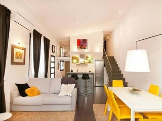 Loft Miro apartment in Eixample Esquerra with WiFi, airconditioning (warm