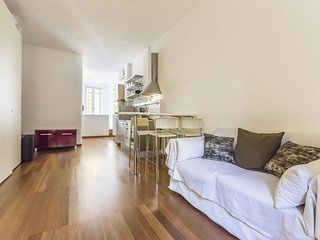 Via Savona apartment in Navigli with WiFi & air conditioning.