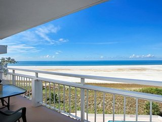 Tradewinds 703  MARCO ISLAND-DIRECT GULF & BEACH ACCESS/POOL