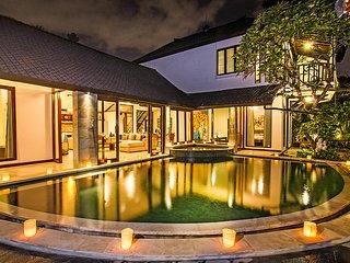Villa Aveli Seminyak By Bali Villas Rus - FAMILY VILLA CLOSE TO EAT STREET, Kerobokan