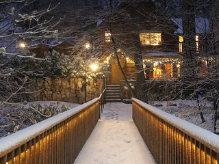 "NEW YEARS DAY IS AVAILABLE - BURNT MILL CANYON COTTAGE, ROMANTIC ""JUST FOR 2"", Lake Arrowhead"