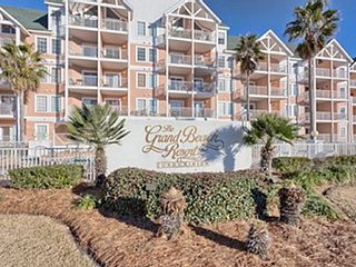Beach Condo 3BR-2BA Large Condo & Master, Double Balcony, W/D'n unit, Free Wifi, Gulf Shores
