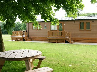 Stunning Lodge at DoubleBois. Pet Friendly