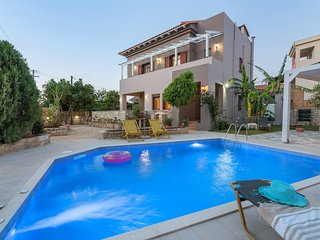 Villa Camellia in the village near Rethymno, 5 km from Beach