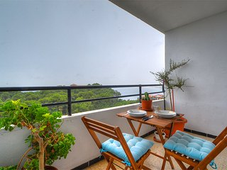 Nice and bright Moore apartment with sea views., Cala Major