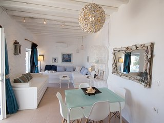 """Breeze"" Sea view summer house in Paros for 2-4, Parikia"