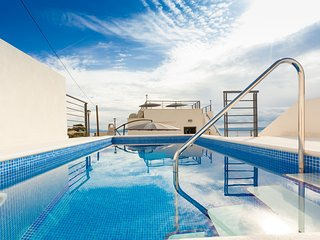 Vila Petra**** with heated pool & jacuzzi autumn and winter 115€/day