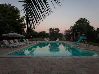 Villa with private swimming pool and horse staple near Gallipoli
