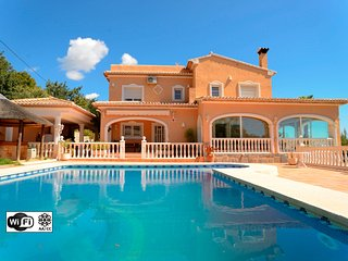 Villa Malie - Luxury villa with pool and sea views