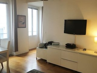 Ideally located Parisian flat next to Notre-Dame