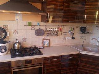 Сozy and bright apartment near the metro station