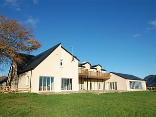 High Brownmuir - luxurious large house in the heart of central Scotland