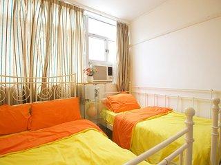Fantastic 1 bedroom apt Downtown Sleeps 5ppl 11E3, Hong Kong