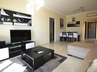 Delightful 2 bedroom apartment close to amenities, Albufeira
