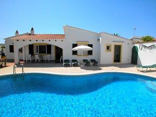 Chalet con 3 dormitorios y piscina privada, WiFi gratis