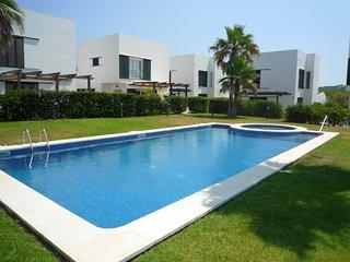 Villa con aire acondicionado, cerca de la playa, WiFi gratis