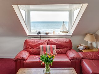 Penthouse 3 bed Luxury Self-Catering with stunning sea views -