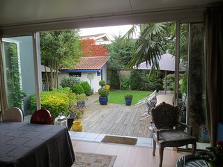 BORDEAUX Parc bordelais, charming fully renovated house with garden.