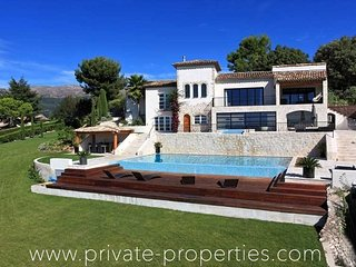 Beautiful villa with spectacular view and private outdoor pool!, La Colle-sur-Loup