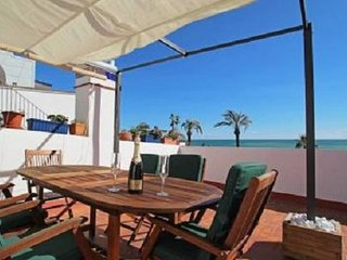 3 Bedroom Ribera Beach Front Line Apartment with Roof Terrace, Sitges