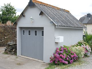 Charmante maison proche du lac de Guerledan a Caurel / 5 personnes.