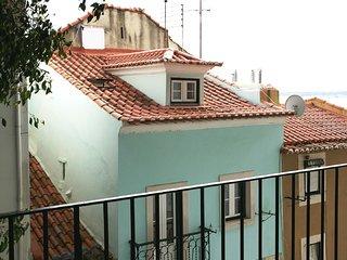 ESTEVAO III - Alfama Duplex for 4 !, Lisbonne