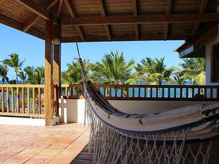 Zen-like ocean front private Villa, Las Galeras