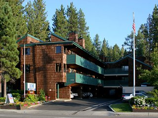 1BR Condo at The Snow Lake Lodge near Snow Summit