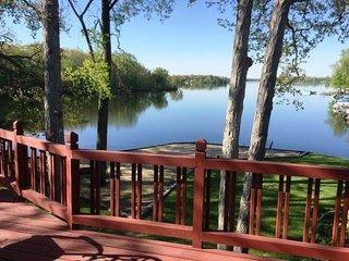 MI Lakehouse Rental-Includes Pontoon-7 Chain Lakes
