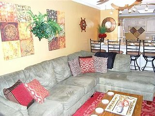 Beach Resort 2BR/2BA, Large Kit , W/D, in&out pools, & Resort Amenities- Wow
