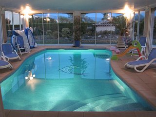 Réduc 50% sem 19 villa confortable, piscine 30° privative, Mazan