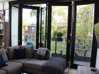 Glass Loft in the Heart of Gastown, Vancouver