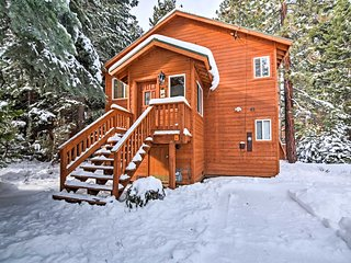NEW! 3BR Tahoma Cabin Minutes From The Slopes!